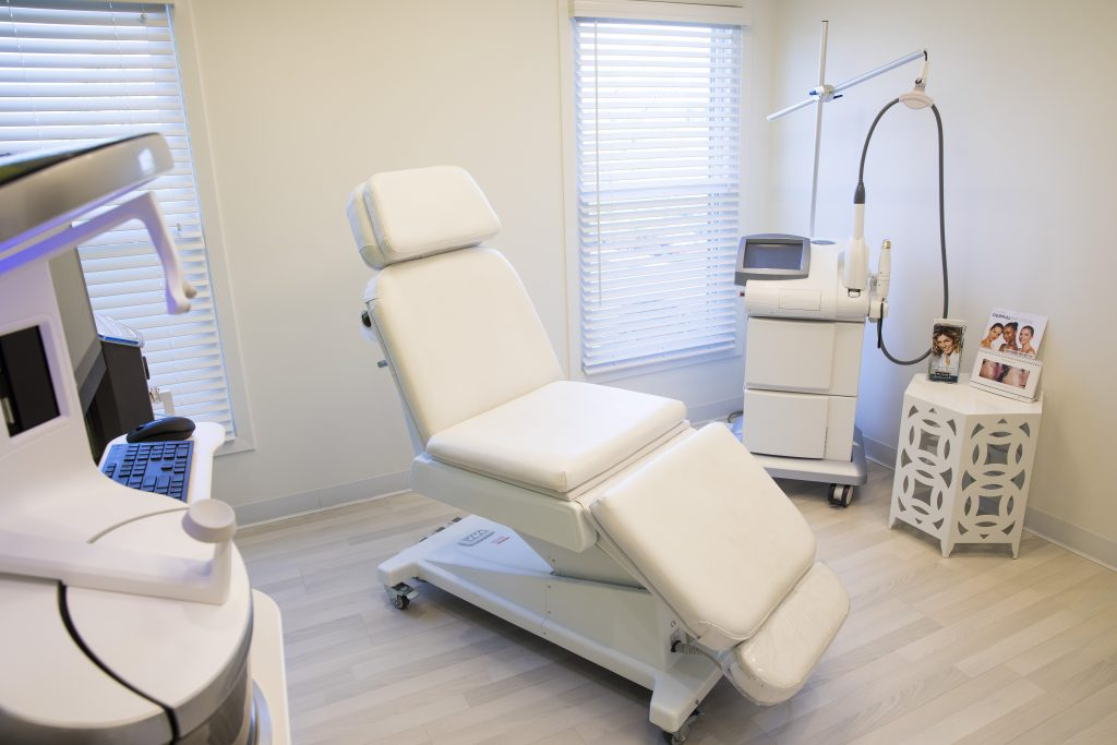Procedure Room with Chair and Sculpting Machine
